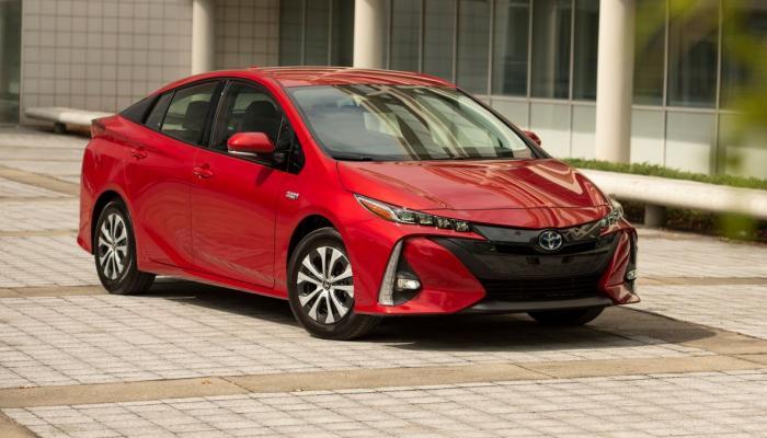 مفاجآت تويوتا نسخة 2021 Prius